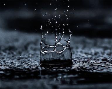 大雨连绵不绝